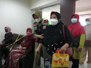 Prawan Sembodro Antar Jemput Lansia